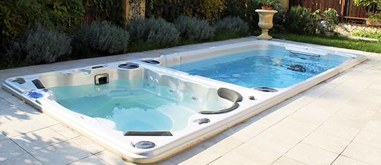 Hydropool Aquatrainer 19dtx swim spa